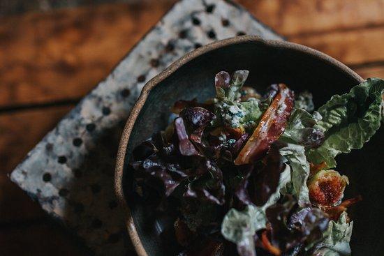 El Estanco: Fig, prosciutto and blue cheese salad.