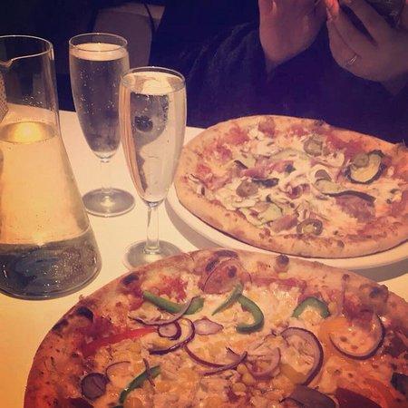 PizzaBuzz: Bottomless Brunch