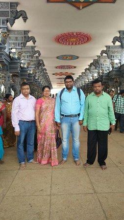 Dwaraka Tirumala, Indien: Approach towards the temple!