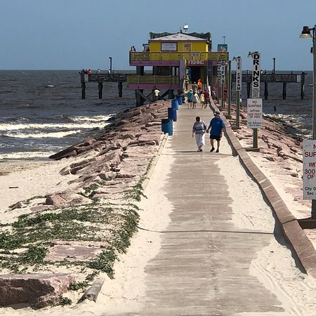 Galveston's 61st Street Fishing Pier: Views of the Pier from Babe's Beach.