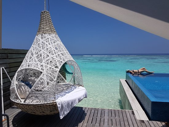 Dhidhoofinolhu Island: Romantic water Villa with own pool and steps into ocean