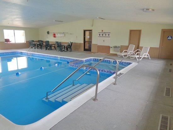 Auburn, MI: Indoor Heated Pool