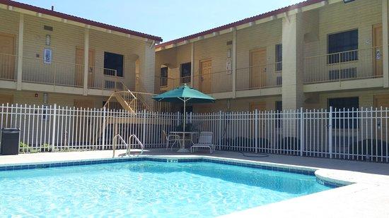 La Quinta Inn Victoria: Pool