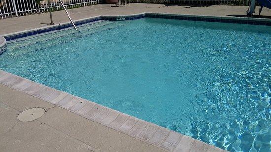 La Quinta Inn Victoria: Clean pool