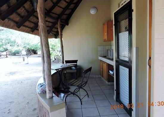 Satara Rest Camp: Außenküche