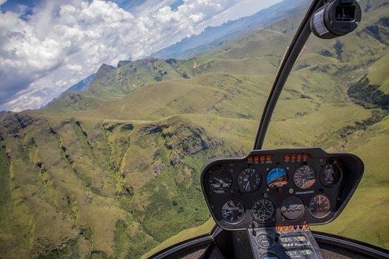 uKhahlamba-Drakensberg Park, South Africa: In flight