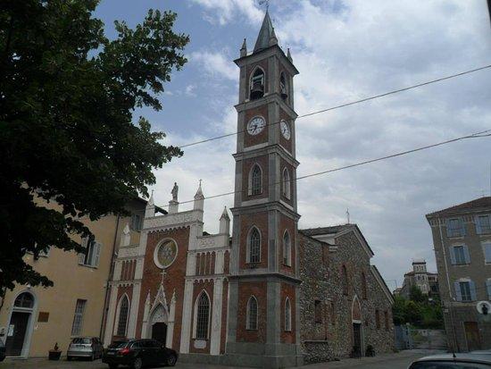 Lanzo Torinese, Italia: Esterno chiesa