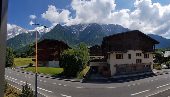 Les Houches Picture