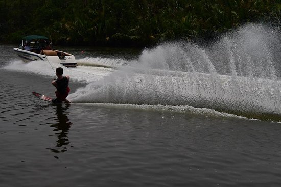 Discover A Dreamspot Waterski Camp