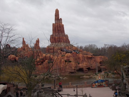 Disneyland Paris: Thunder Mountain