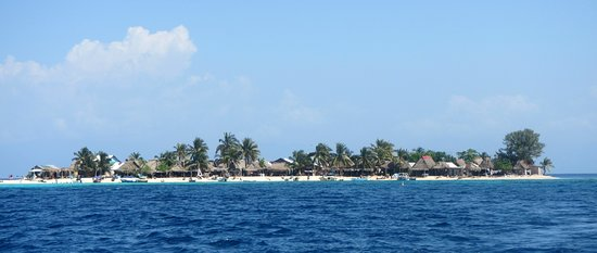 Ruthless Roatan Charters: Garifuna settlement on Chachahuate Cay, Cayos Cochinos, Bay Islands Honduras