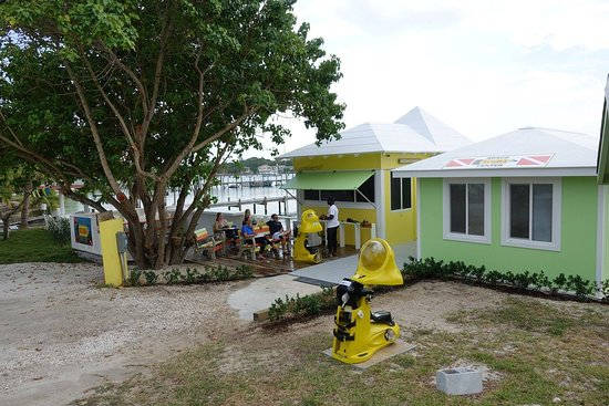 Great Guana Cay: Watertoys Boat Rentals Office