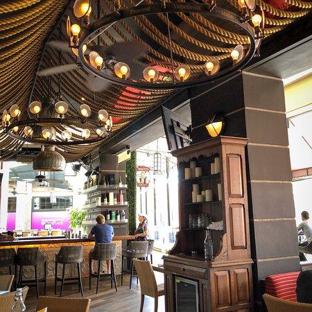 City Cellar Wine Bar & Grill: photo0.jpg