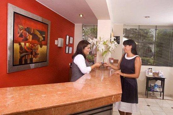 Hotel Runcu Miraflores: Lobby