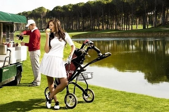 Calista Luxury Resort: Golf course
