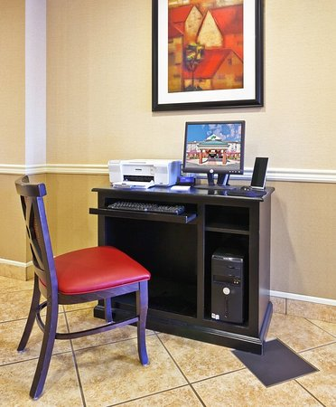 Holiday Inn Express & Suites Manchester-Conf Ctr (Tullahoma): Property amenity