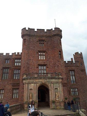 Powis Castle and Garden: 20180401_145105_large.jpg