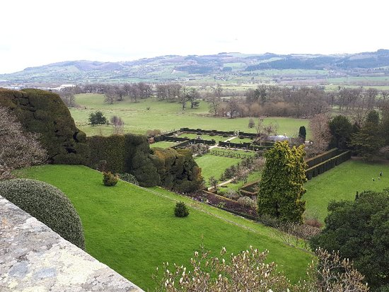 Powis Castle and Garden: 20180401_144727_large.jpg