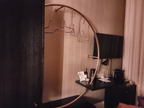 Hotel Dress Code & Spa: The hanging rail.is a stylish feature of the room