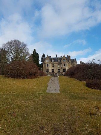 Glengarry Castle Hotel: 20180324_091805_large.jpg