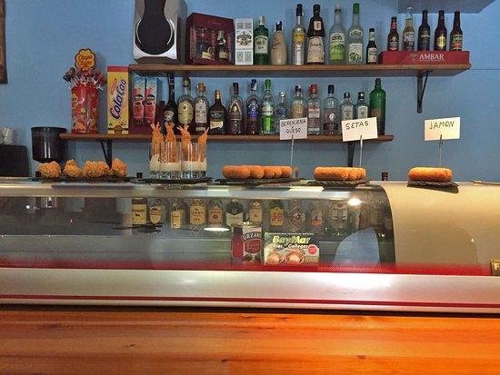 Jasa, Espagne: Algunas de nuestras deliciosas tapas caseras
