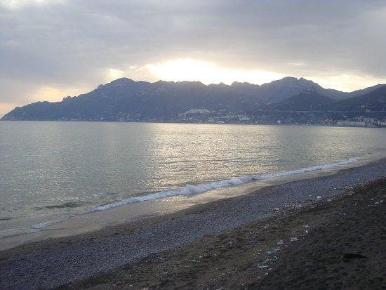 B&B Fronte Del Mare: View towards Amalfi coast