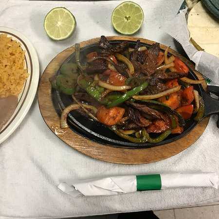 Glendale Heights, IL: Excelente comida mexicana 😋😋🍤🌮🍲
