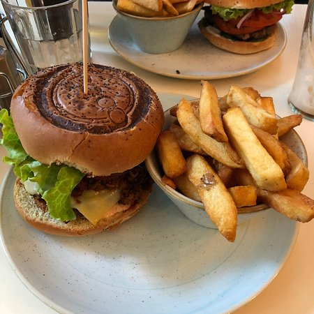 Bobos Burgers Restaurant: photo0.jpg