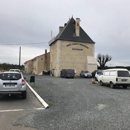 Touverac, Francia: photo0.jpg