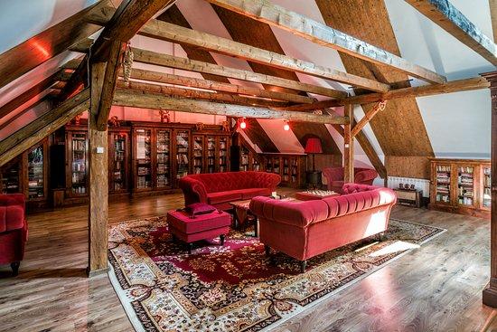 Folwark Wrzosowka Holiday Home: Biblioteka, filmoteka i miejsce do słuchania muzyki