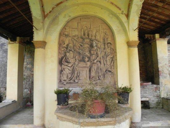 Sacro Monte San Vivaldo照片