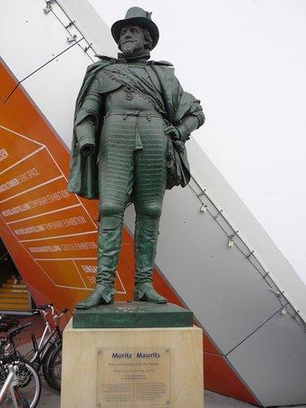 Moritz Statue