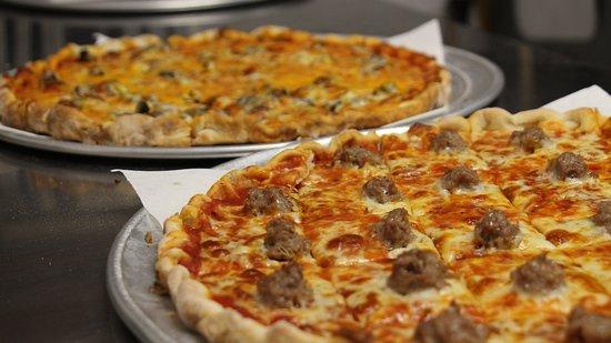 Hibbing, MN : Sammy's Pizza Pies
