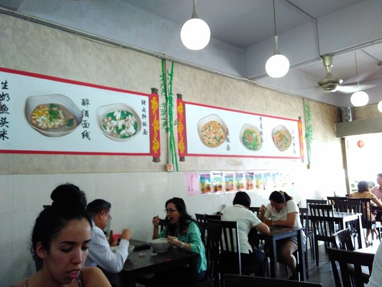 Tanjong Malim, Malaysia: U One Me Cafe. Interior dining at the noodle Bar.
