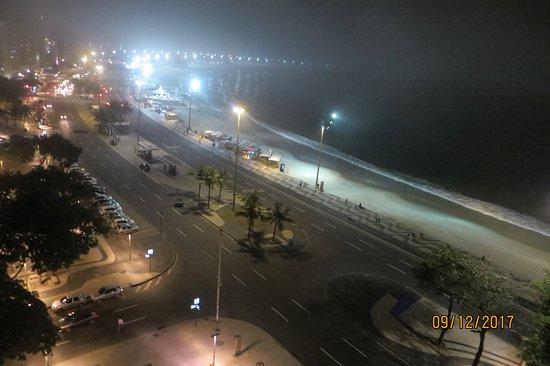 Orla Copacabana Hotel: vista de la habitacion