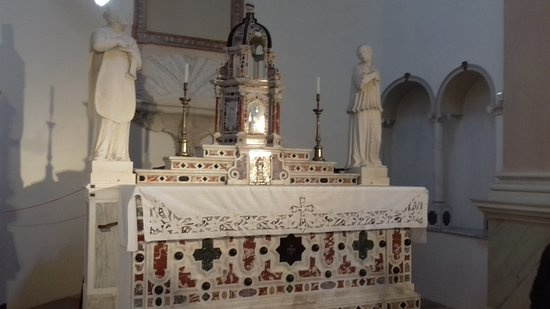 Altare in marmo