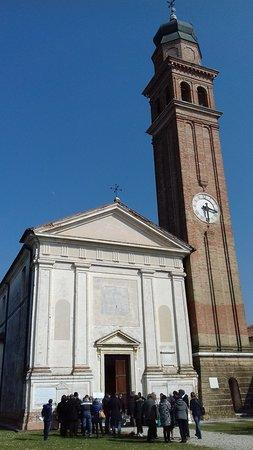 Paese, Italia: Facciata e campanile
