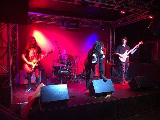 Back stage concert - Foto de Slide Bar, Fullerton - TripAdvisor