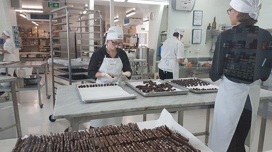 Kerikeri, Nueva Zelanda: Fun to see them making the chocolate