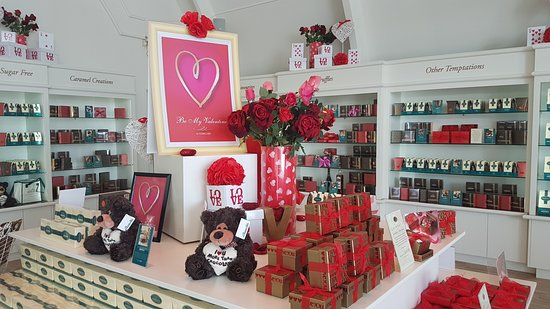 Makana Confections: Great selection of chocolates for Vday
