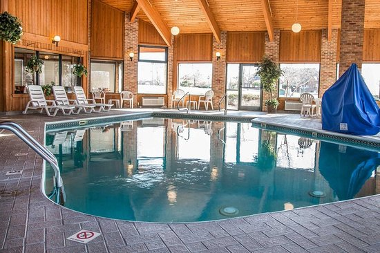 Quality Inn Marshall (formerly, Comfort Inn): Pool