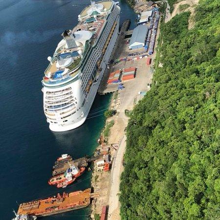 A Taste of Port Vila 7 Minute Scenic Helicopter Tour Εικόνα