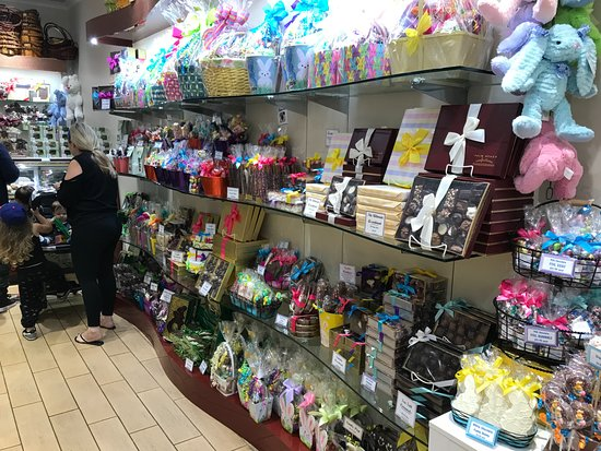 Boca Raton Shopping >> Mall Palm Beach Confections Display Picture Of Town