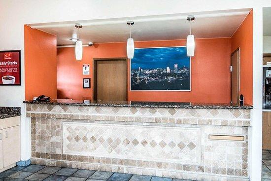 Econo Lodge Portland Airport: Lobby