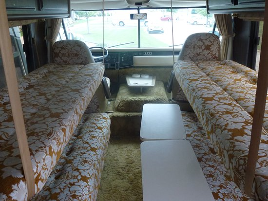 RV/MH Hall Of Fame And Museum: Interior Of Travco Motorhome   Yellow Shag