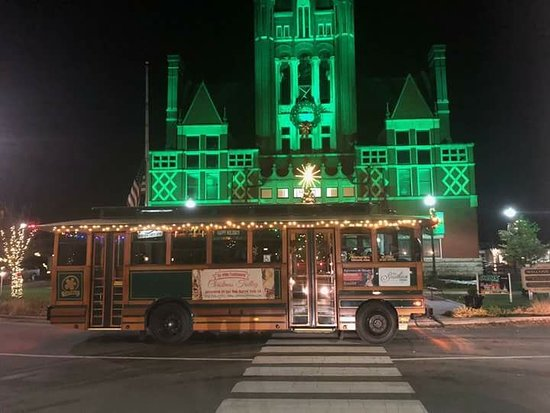 Jeffersonville, IN: Christmas Trolley at the 2017 Bardstown Christmas Parade