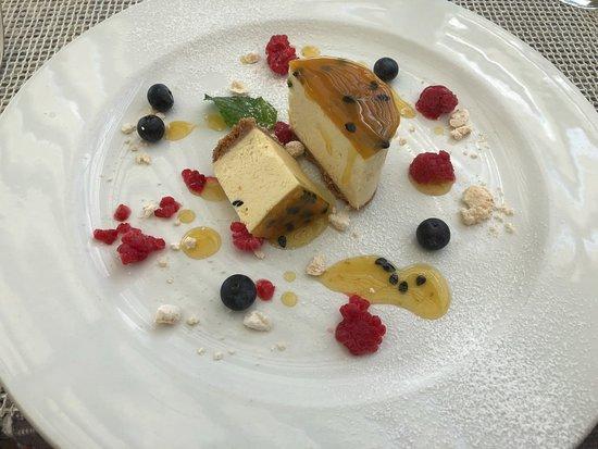 Etali Safari Lodge: Amazing dessert!