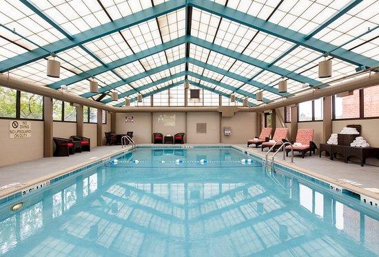 Vernon Hills, IL: Pool
