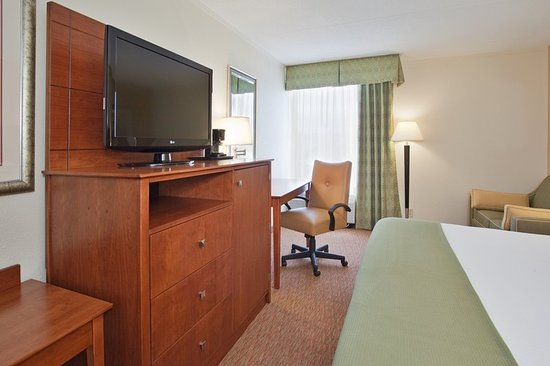Holiday Inn Express Lynchburg: Guest room