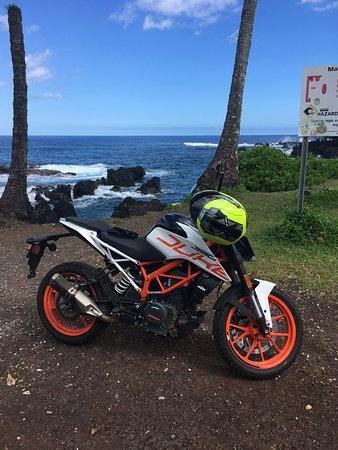 Haiku, HI: Pit stop just off the road at Malama Keanae